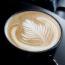 香醇濃郁的Espresso沖入高溫的牛奶,氤氳的熱氣瞬間向上迷濛,那白色煙霧如夢似幻,在咖啡 […]