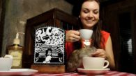 寵物主題咖啡廳有很多款,大家常聽到的貓咪喵星人、狗狗毛小孩、小鳥貓頭鷹,但在舊金山地牢(Th […]